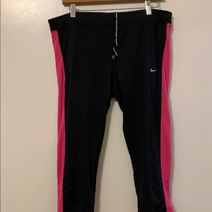 Pink and Black Nike Crop Leggings Size 1X